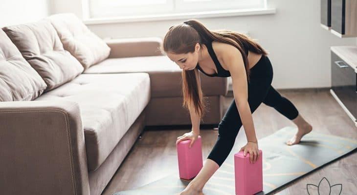 Comment utiliser les briques de yoga ? Le guide + VIDÉO