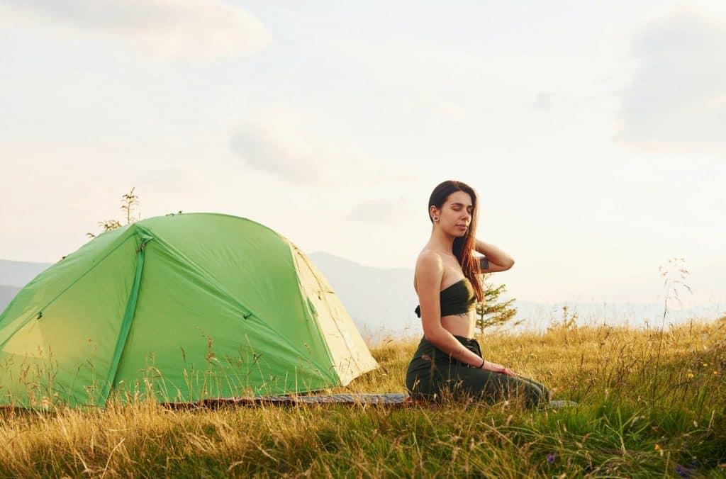 Majestueuses montagnes des Carpates. Magnifique paysage de nature intacte