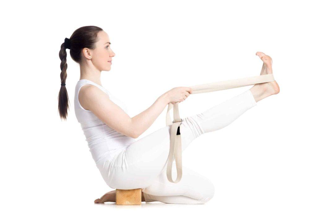 Posture Krounchasana sangle de yoga